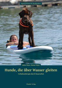Hunde die über Wasser gleiten